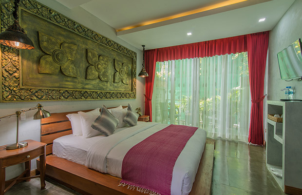 Deluxe King Suite with Private Balcony